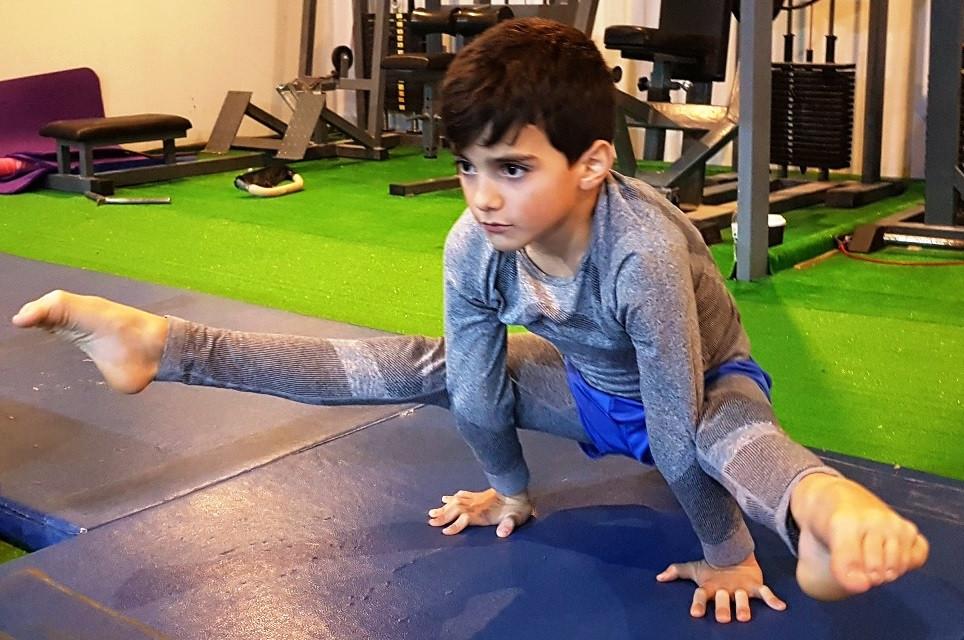 """Στο Γυμναστικό Σύλλογο """"Πυραμίς"""" οι τεχνικοί ανάπτυξης της ενόργανης γυμναστικής"""